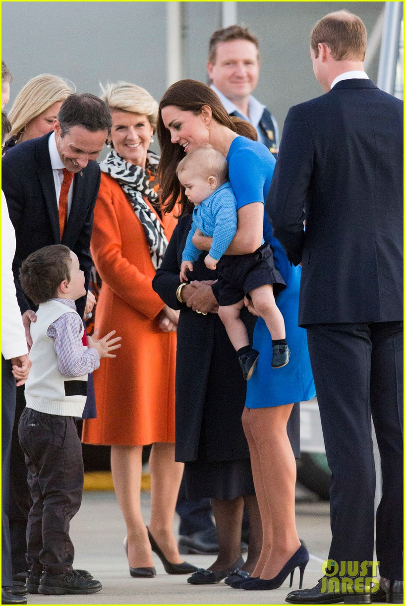 kate middleton wears third gorgeous dress on easter sunday 413095891