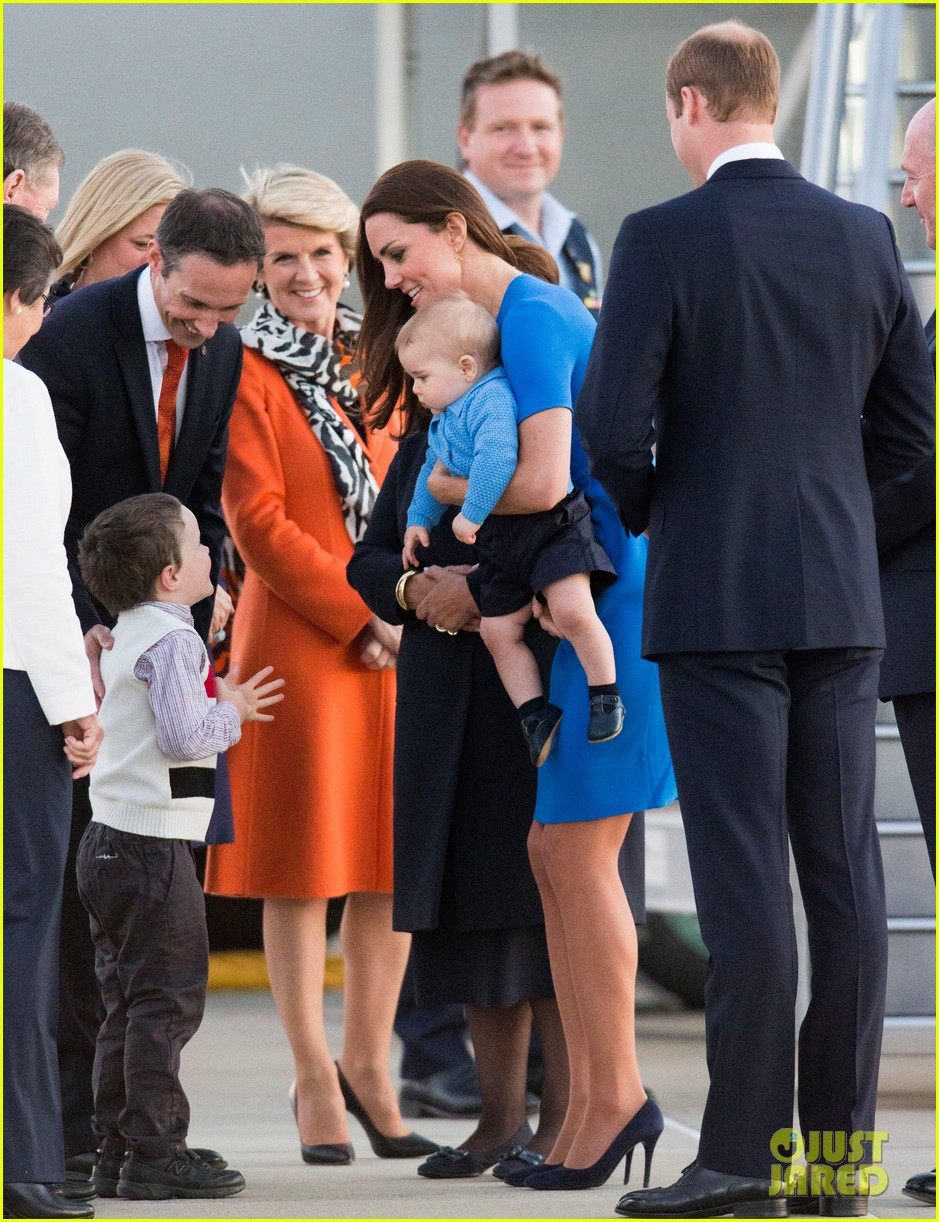 kate middleton wears third gorgeous dress on easter sunday 433095893