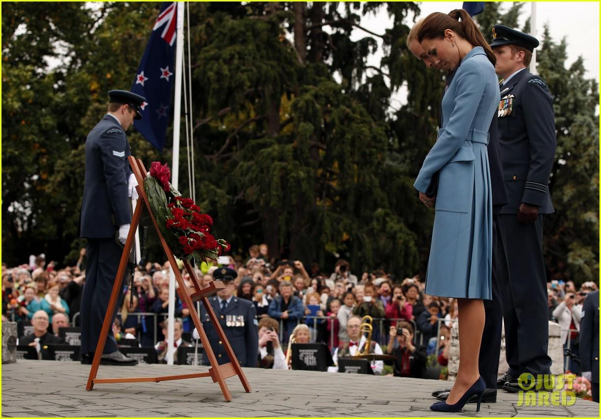 kate middleton prince william war memorial ceremony 063087962