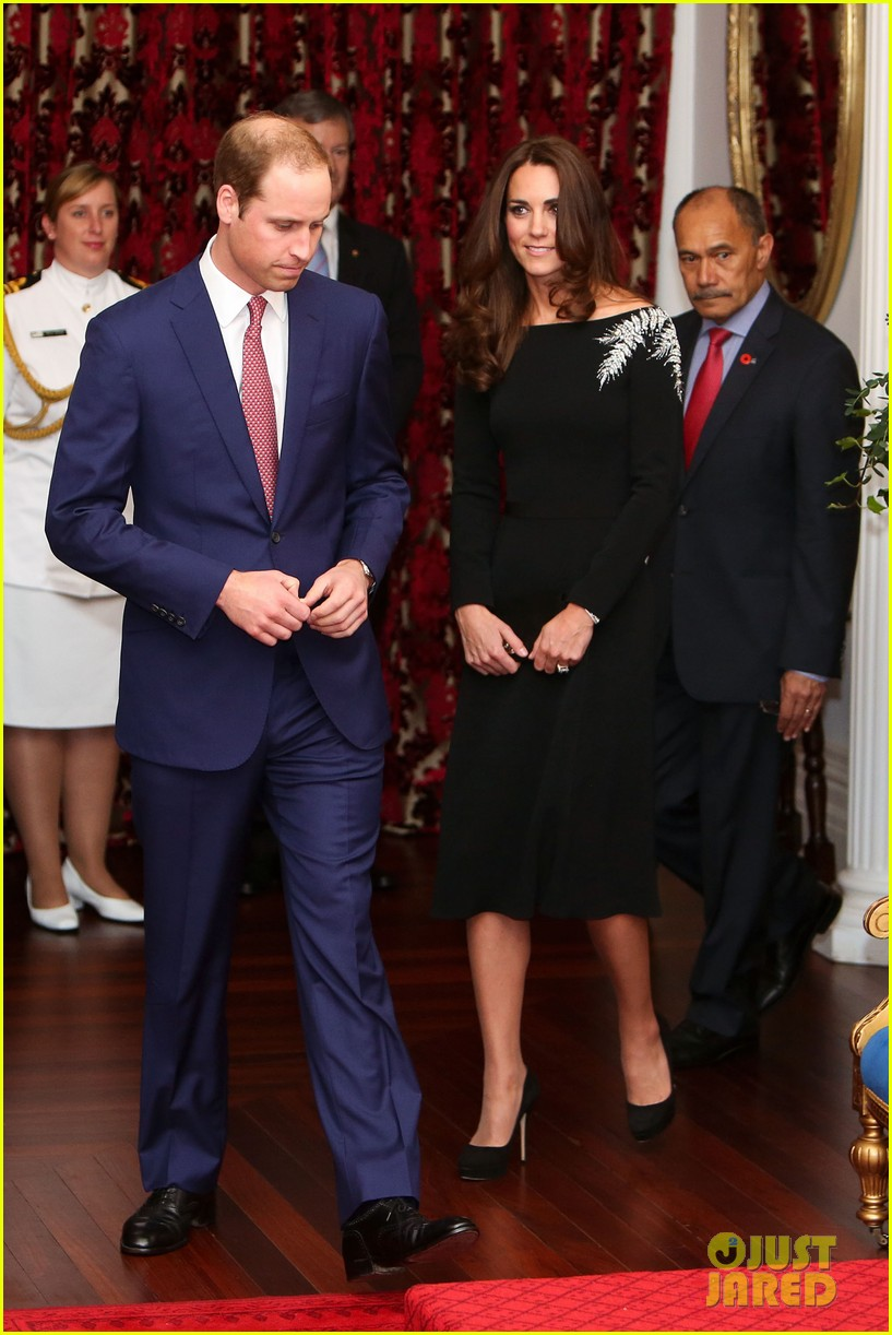 kate middleton prince william send thanks to new zealand for welcoming them bonny lad 013088296