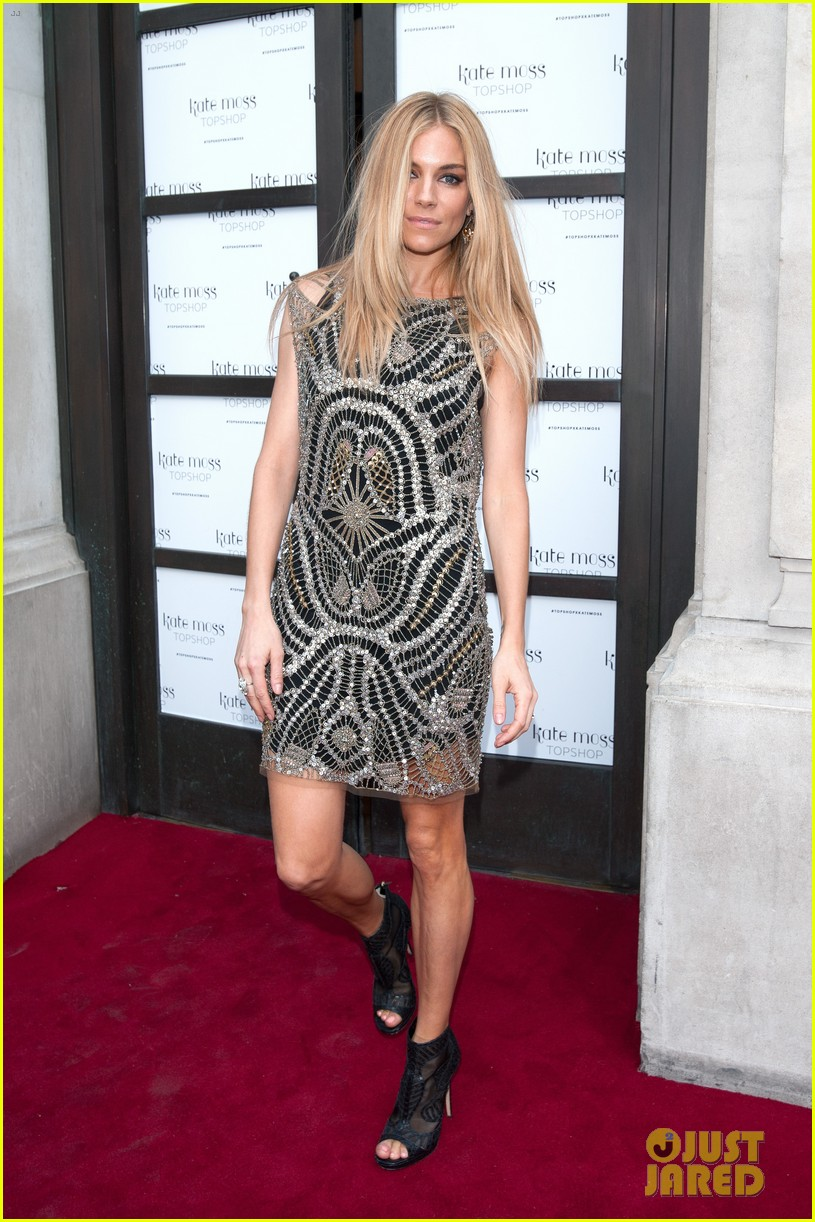 sienna miller celebrates kate moss with hot british models 033101975