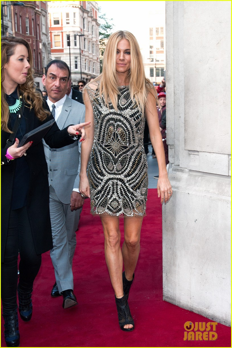 sienna miller celebrates kate moss with hot british models 123101984