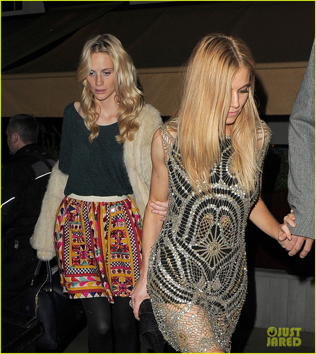 sienna miller celebrates kate moss with hot british models 273101999