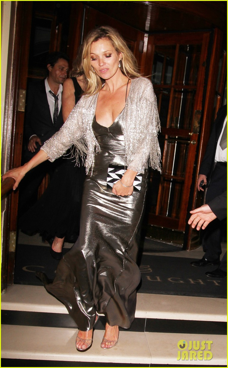 sienna miller celebrates kate moss with hot british models 353102007