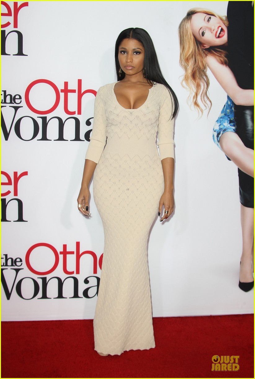 nicky minaj bootylicious at the other woman premiere 063096540