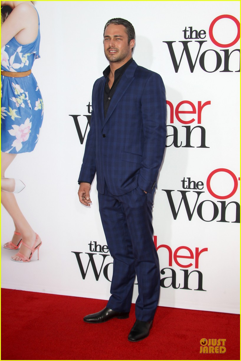 nicky minaj bootylicious at the other woman premiere 173096551