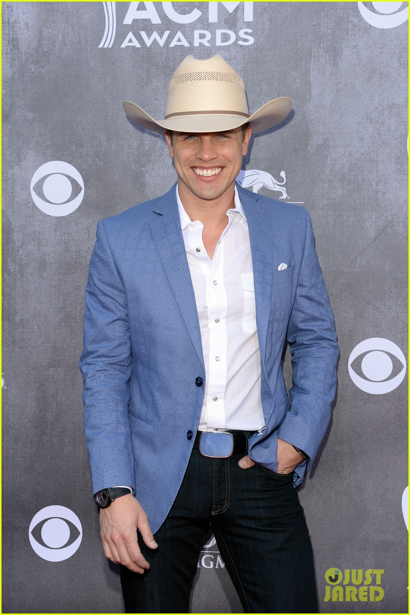 justin moore wins new artist of the year at acm awards 2014 073085965