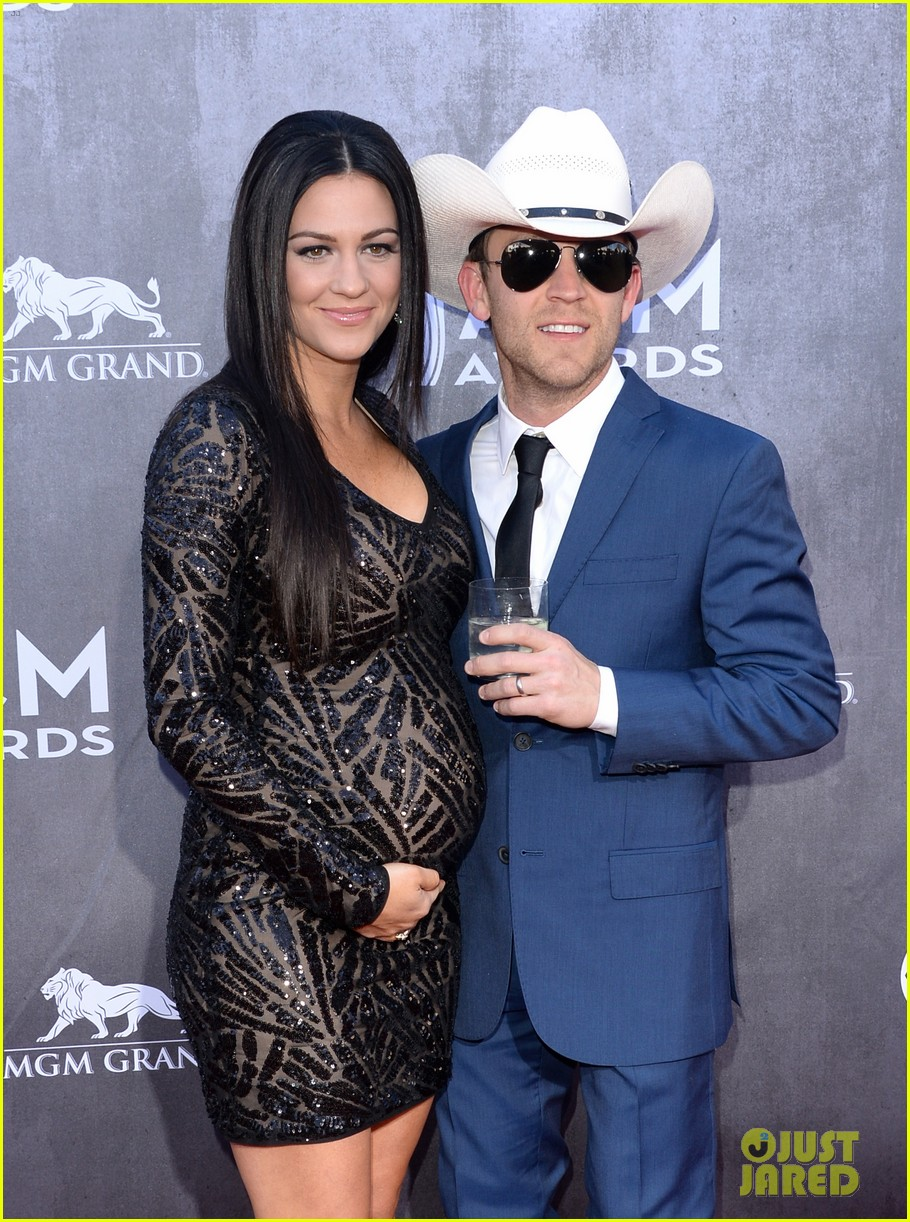 justin moore wins new artist of the year at acm awards 2014 103085968