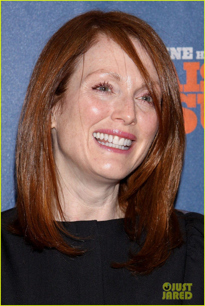 julianne moore husband bart freundlich broadway date night 07