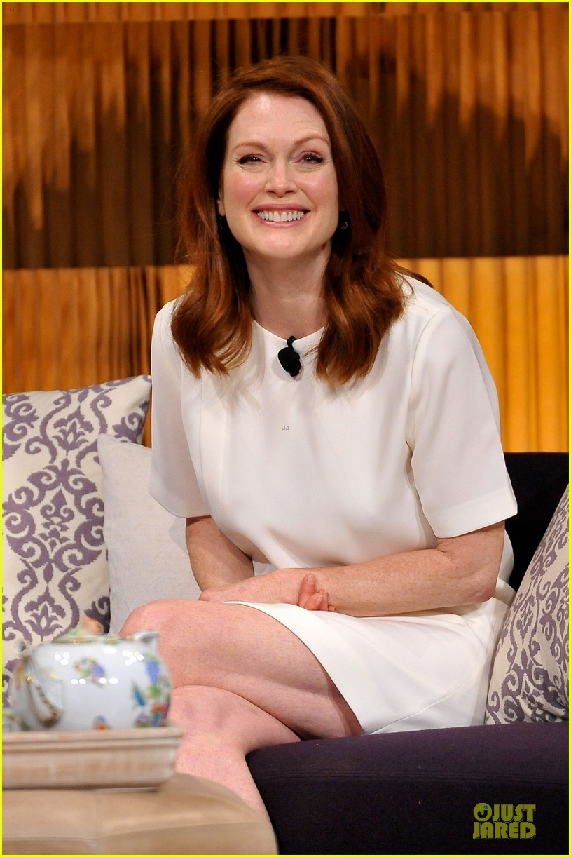 julianne moore thrive on life 023099608