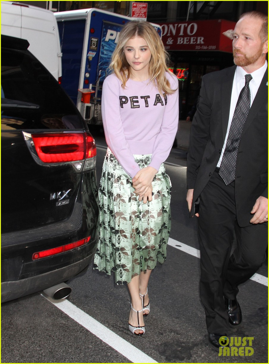 chloe moretz pretty as a petal for today show appearance 033093835