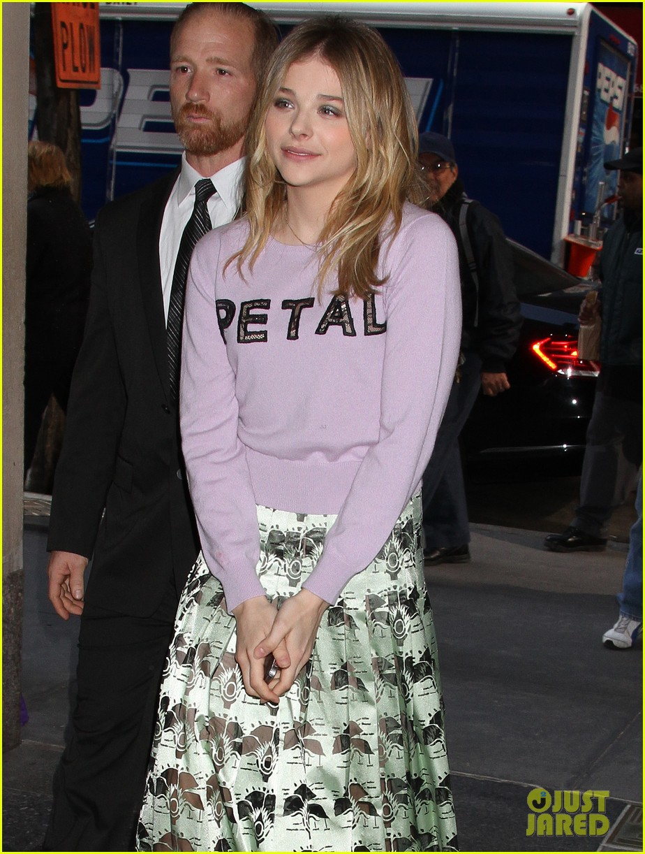 chloe moretz pretty as a petal for today show appearance 073093839