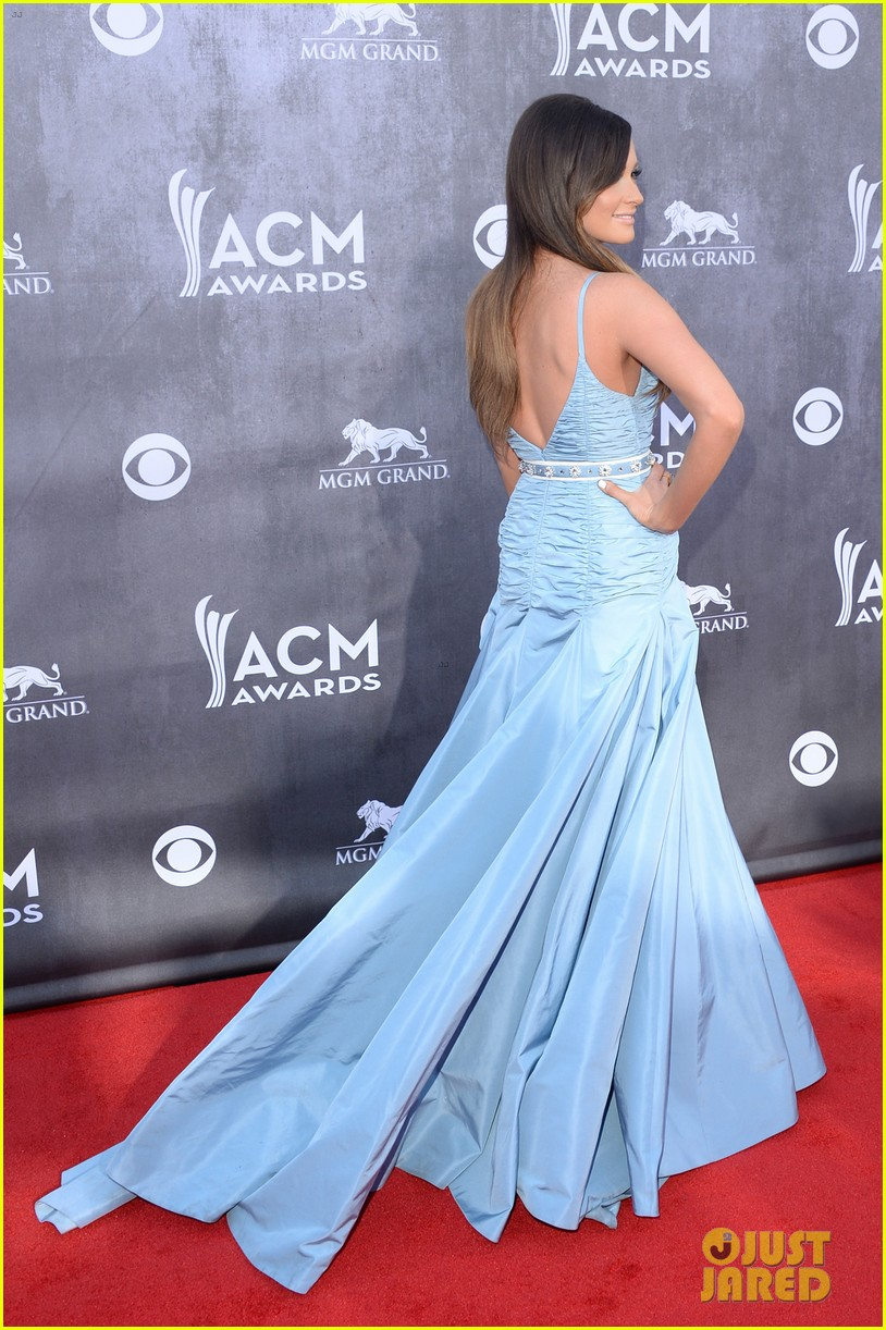kacey musgraves acm awards 2014 red carpet 033085752