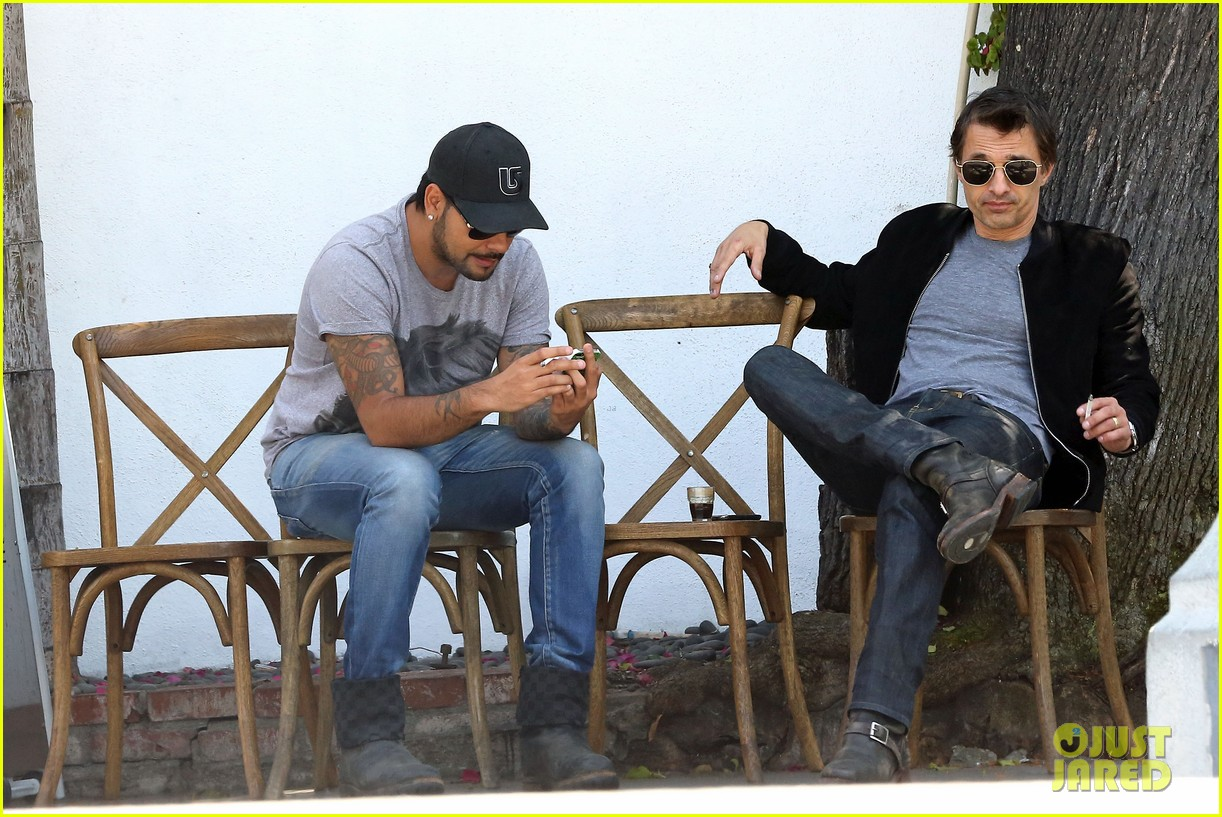 olivier martinez gets in some guy time with eduardo cruz 073093335