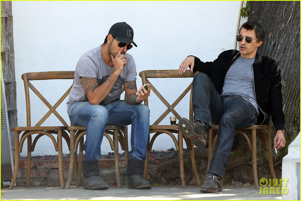 olivier martinez gets in some guy time with eduardo cruz 093093337