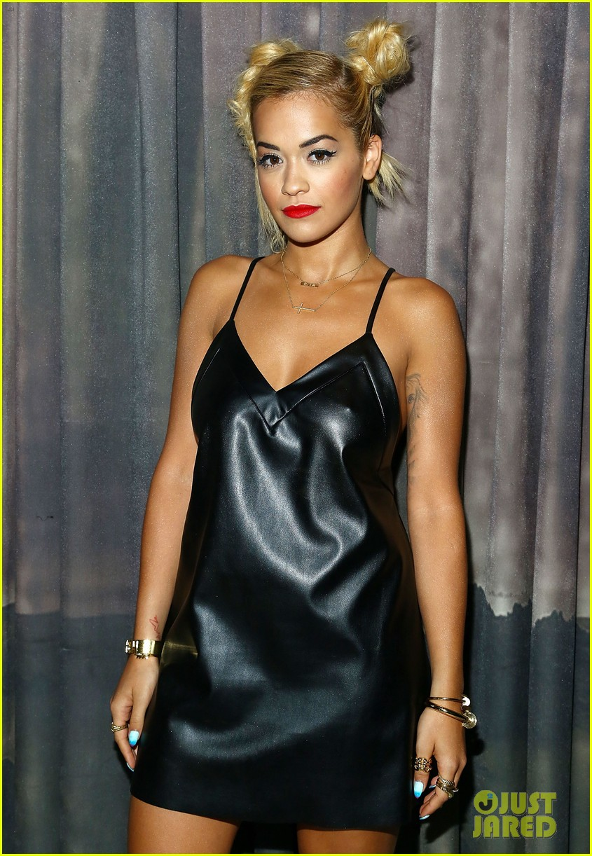 rita ora wears basketball print jacket 073100103