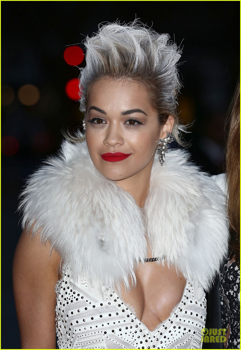 rita ora frills at glamour of fashion exhibition 023083096