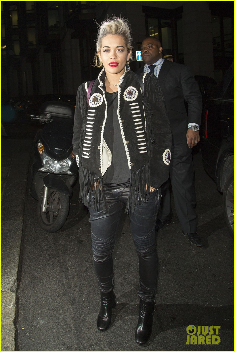 rita ora dines with chloe green at novikov in london 023083832