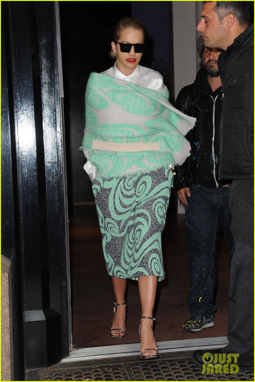 rita ora reportedly signs new deal with roberto cavalli 203102614