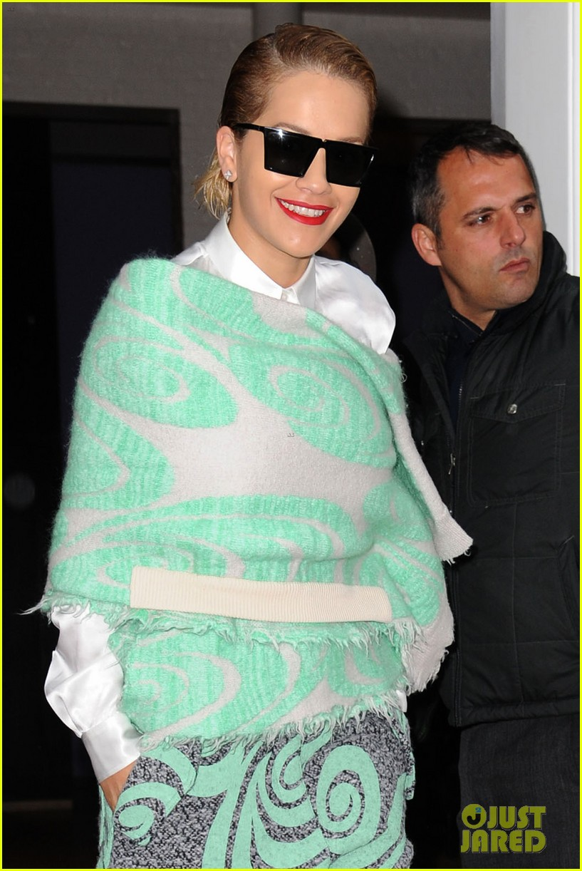 rita ora reportedly signs new deal with roberto cavalli 273102621