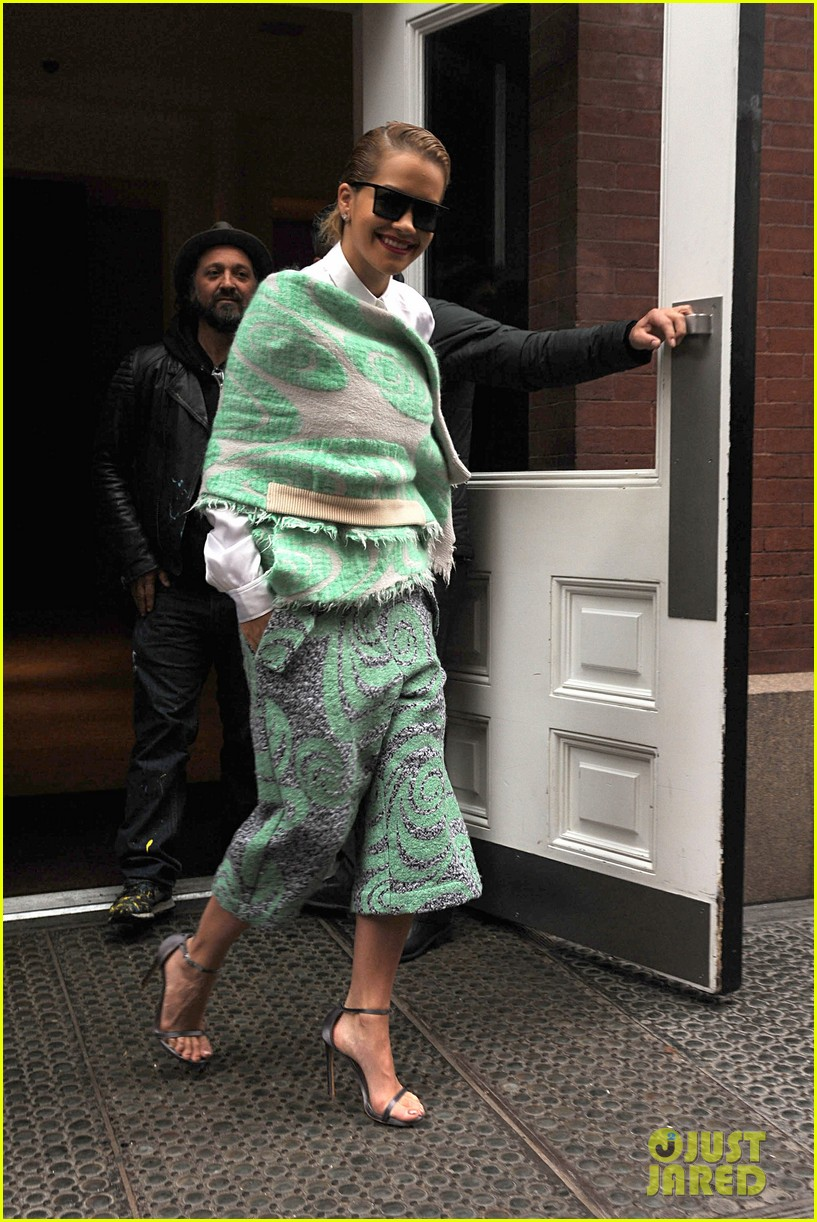 rita ora reportedly signs new deal with roberto cavalli 293102623