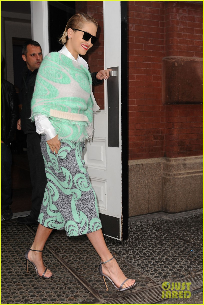 rita ora reportedly signs new deal with roberto cavalli 303102624