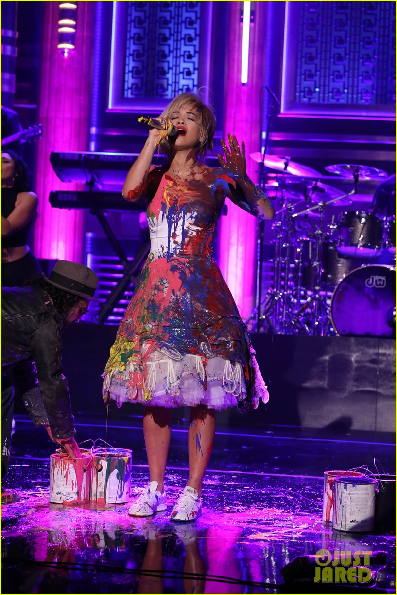 rita ora has paint party for i will never let you down performance on tonight show 023097383
