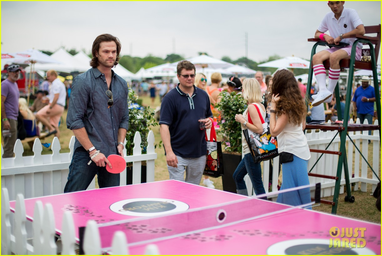 jared padalecki wife genevieve picture perfect couple austin food festival 063100570