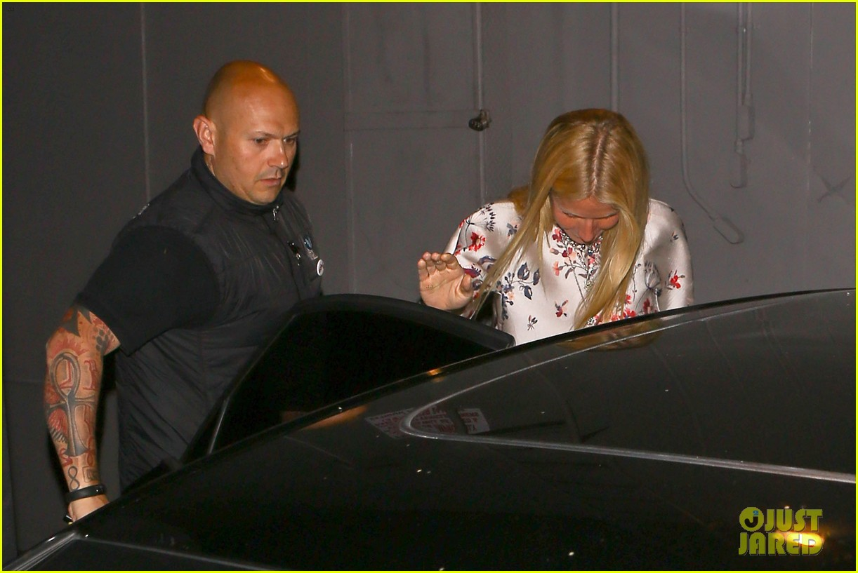 gwyneth paltrow meets up with gwen stefani nicole richie at crossroads for dinner 053094486