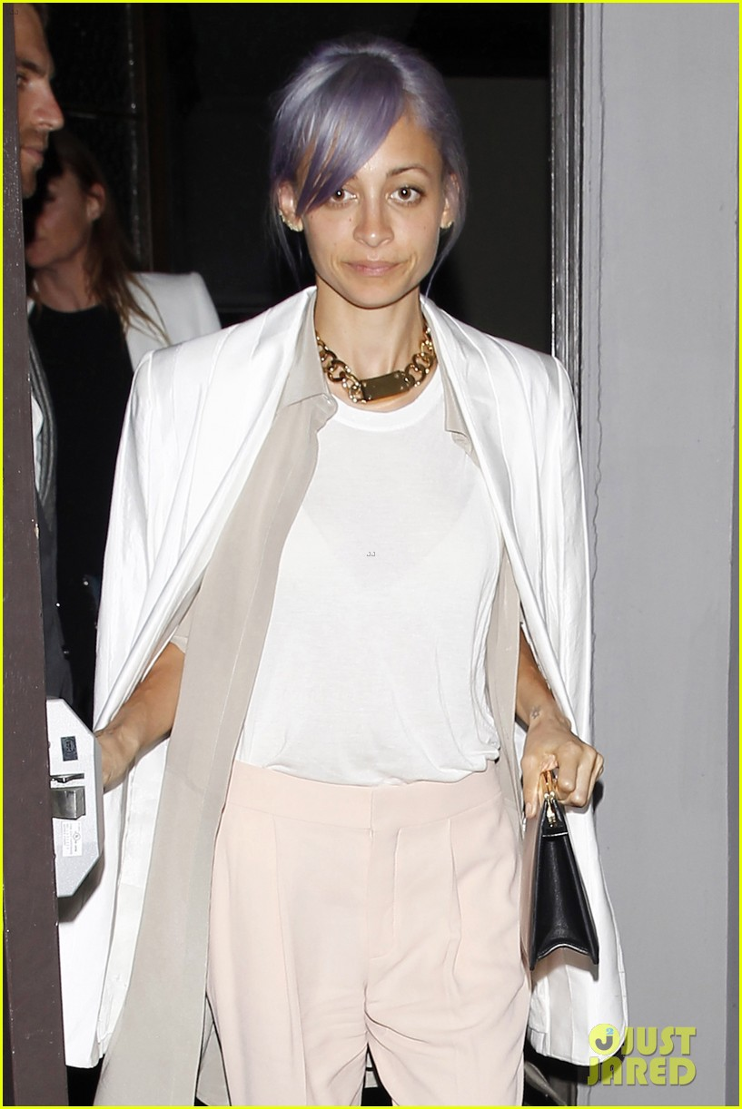 gwyneth paltrow meets up with gwen stefani nicole richie at crossroads for dinner 073094488