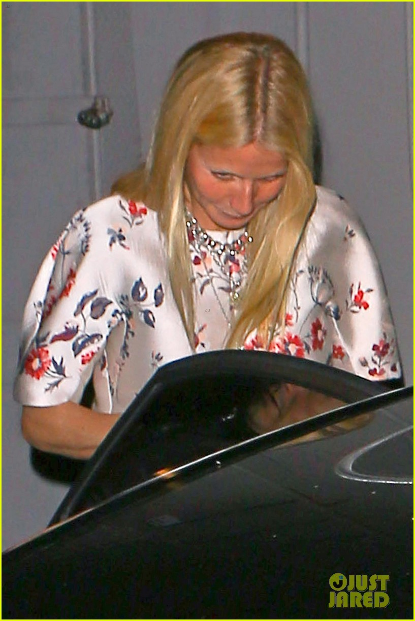 gwyneth paltrow meets up with gwen stefani nicole richie at crossroads for dinner 123094493