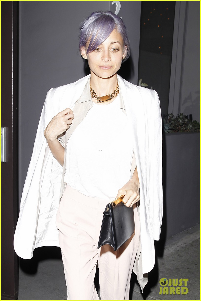 gwyneth paltrow meets up with gwen stefani nicole richie at crossroads for dinner 133094494