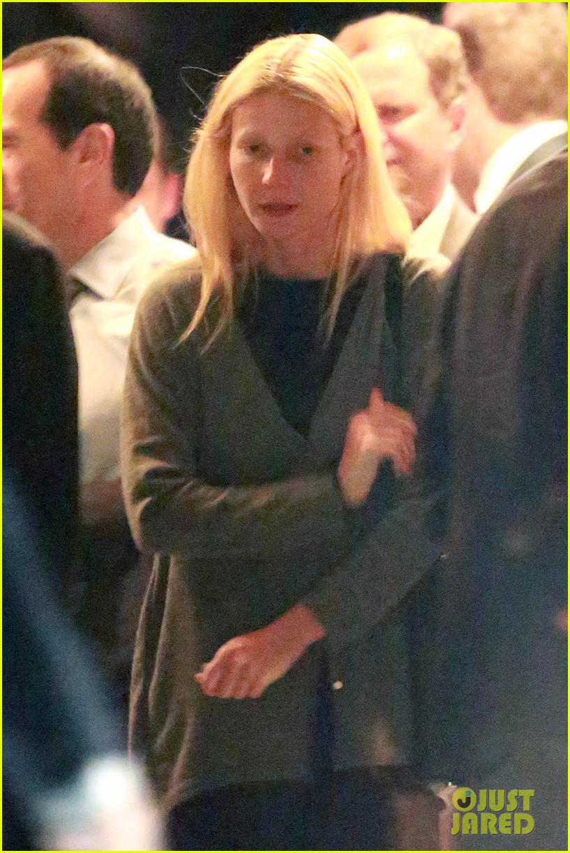 gwyneth paltrow goes makeup free after chris martin takes blame for split 063102414