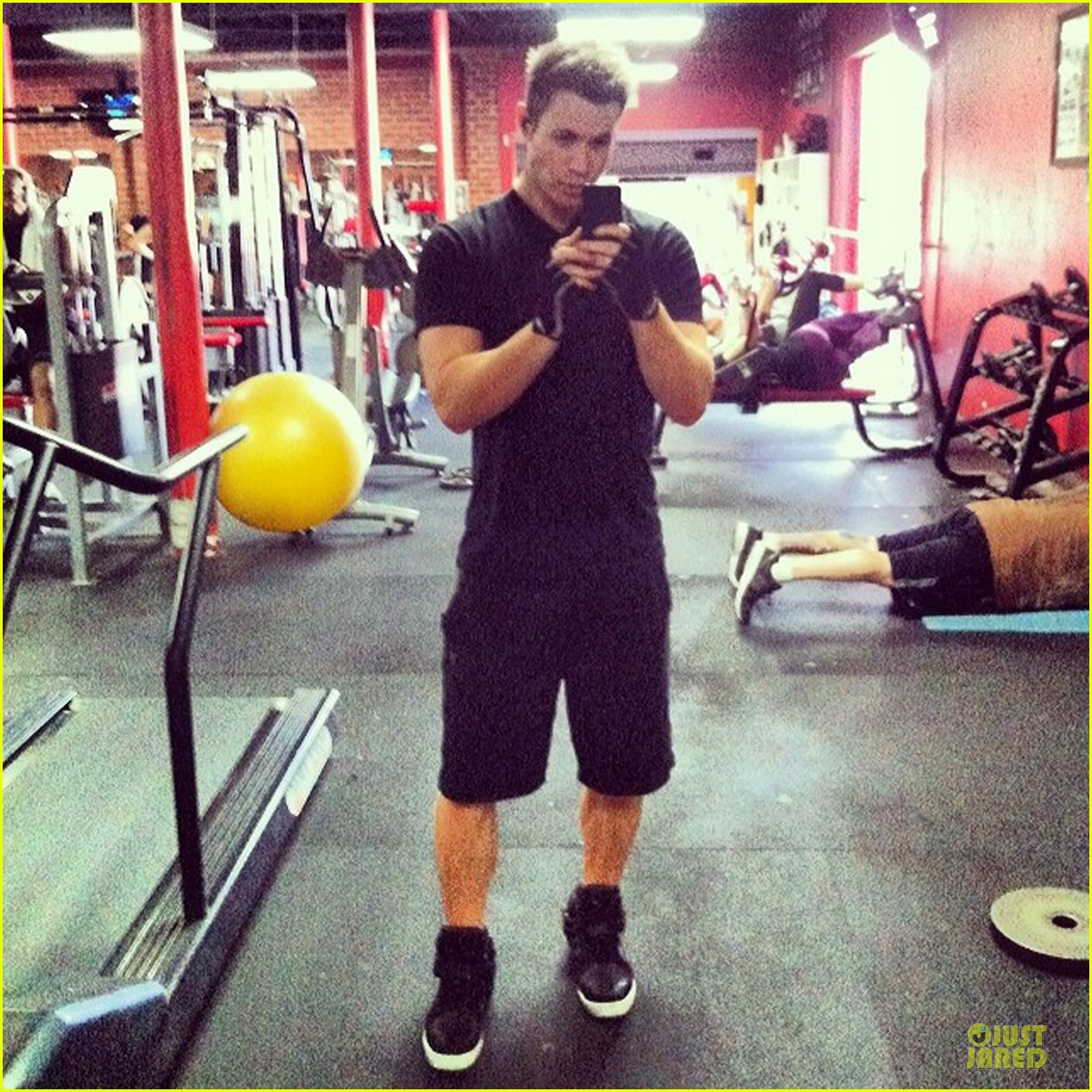 ashley parker angel up to these days 063082605