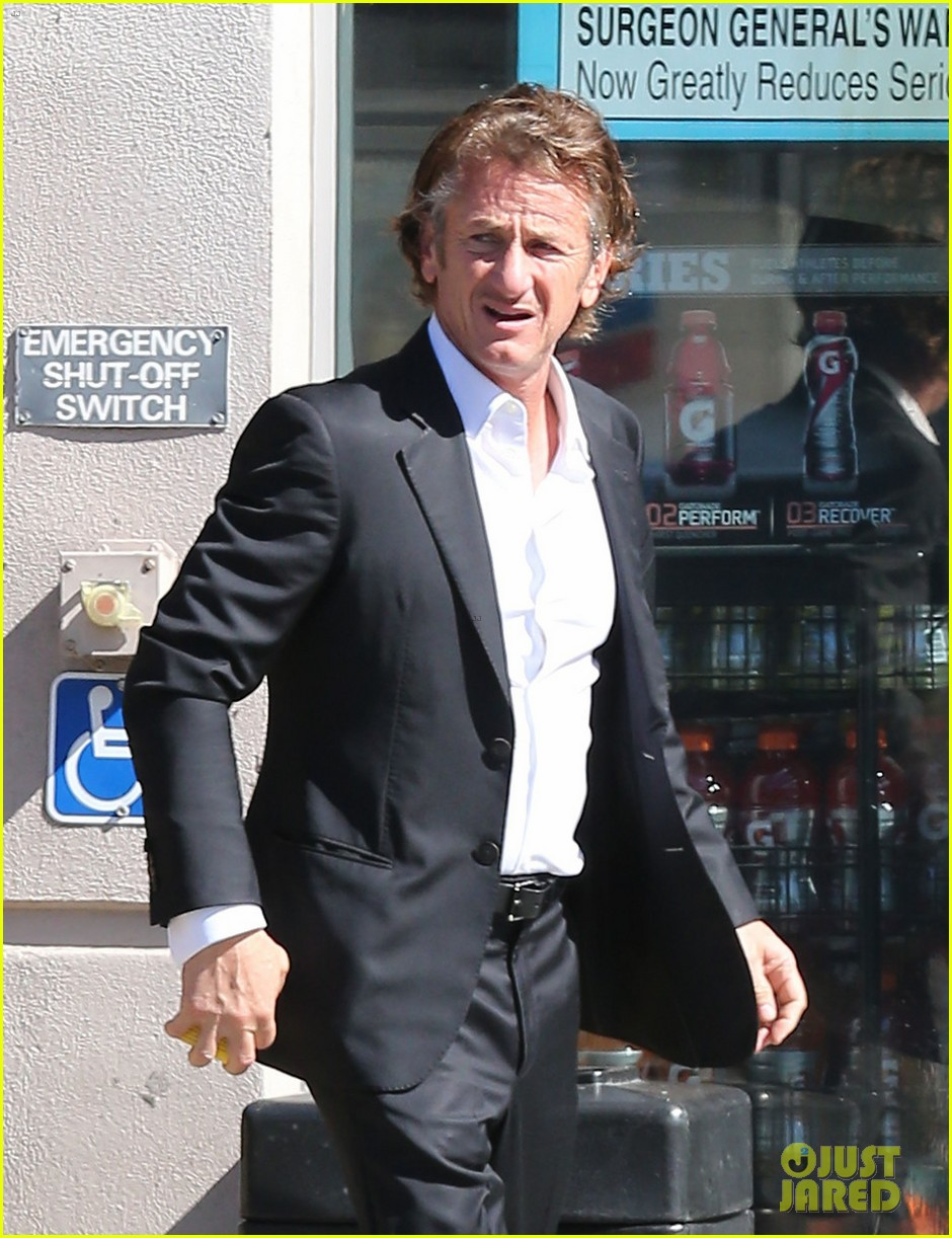 sean penn calls out media for not covering positive haiti news 043100905