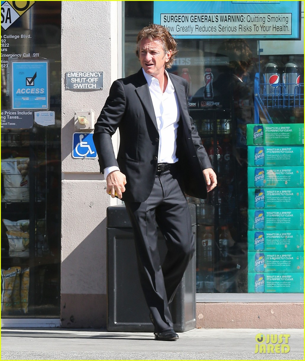 sean penn calls out media for not covering positive haiti news 073100908