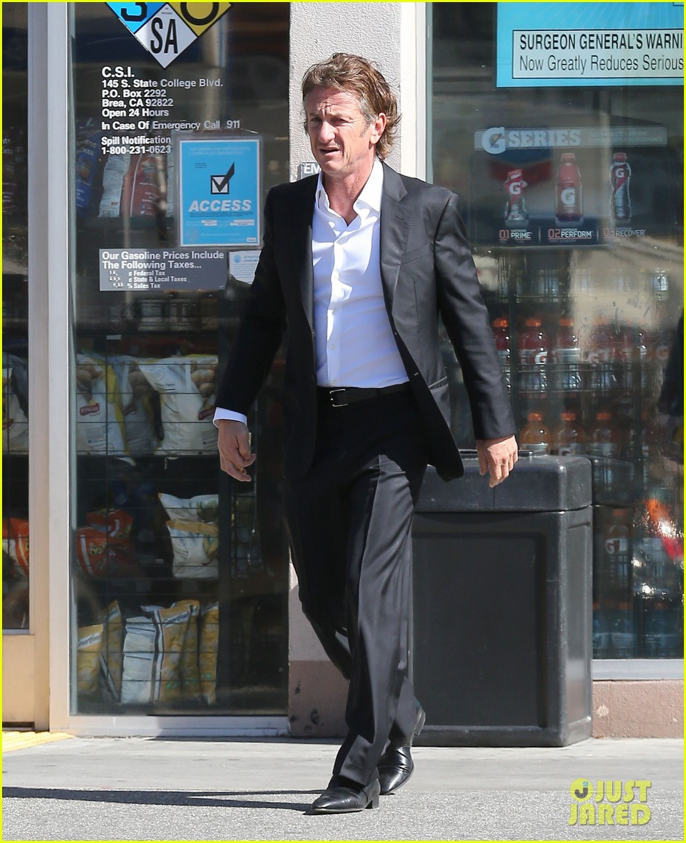 sean penn calls out media for not covering positive haiti news 093100910