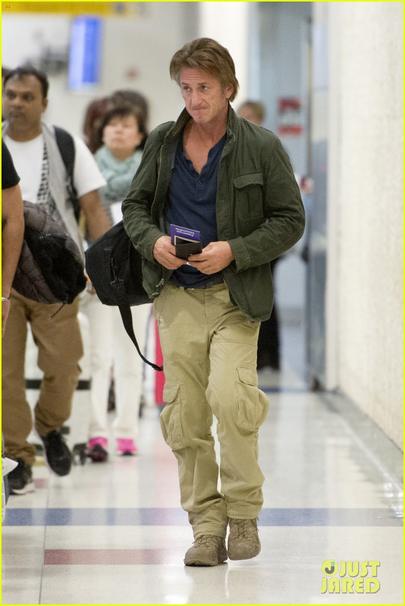 sean penn takes flight after exciting new movie news 033091766