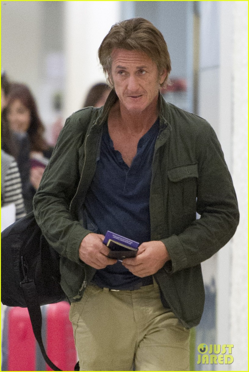 sean penn takes flight after exciting new movie news 053091768