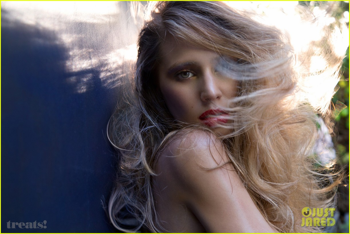 dylan penn strips down totally naked for treats magazine 07