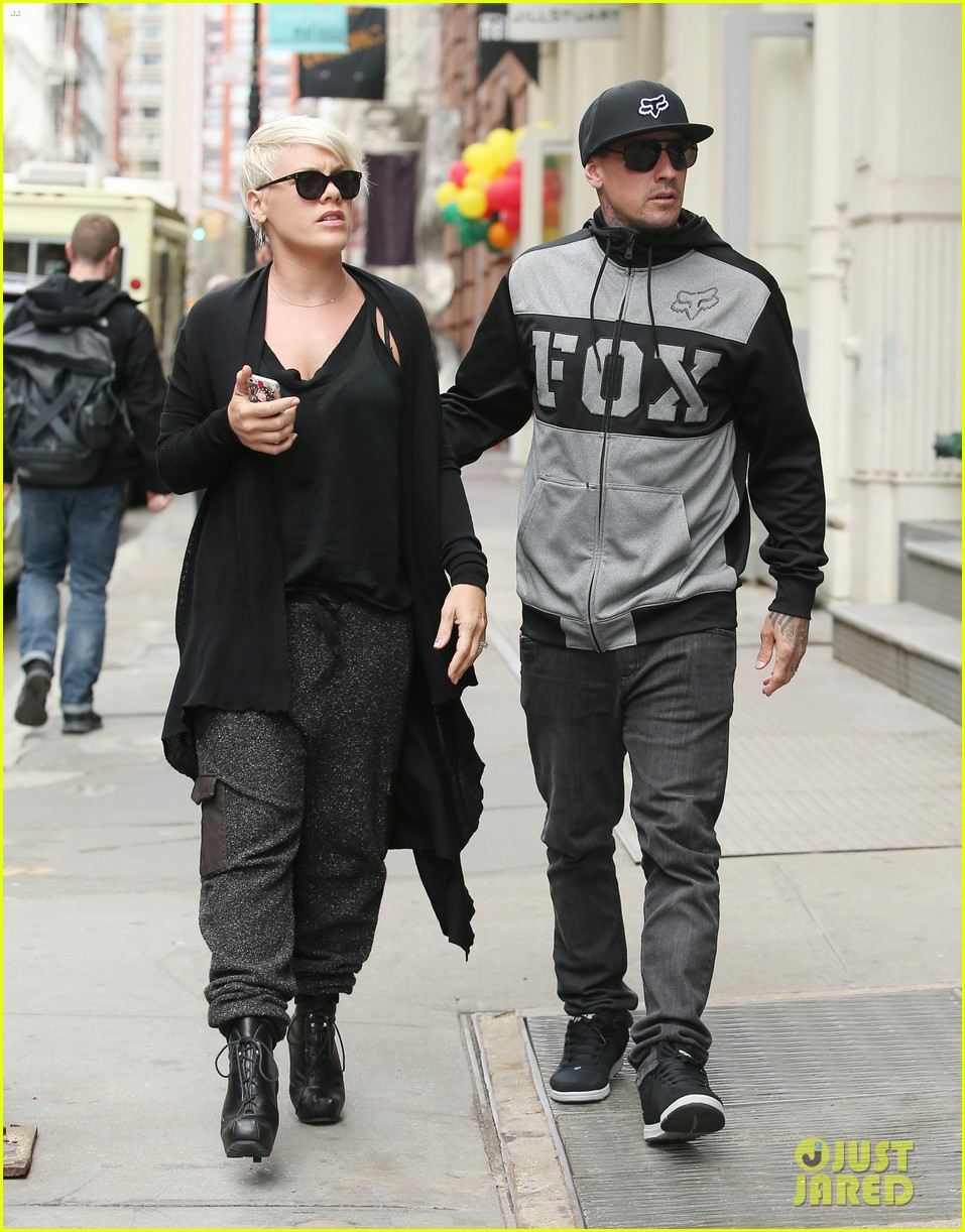 pink says billy joel was a god that i prayed to 053101124