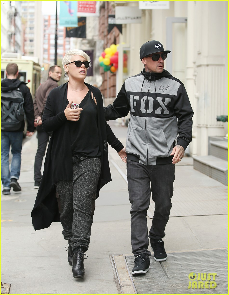 pink says billy joel was a god that i prayed to 063101125