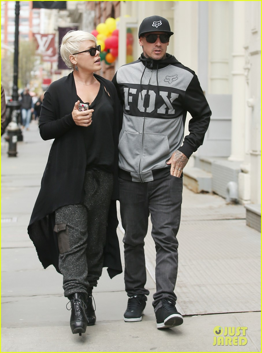 pink says billy joel was a god that i prayed to 163101135