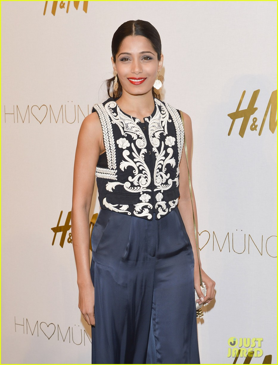 freida pinto cant believe she met alex wek 043088354