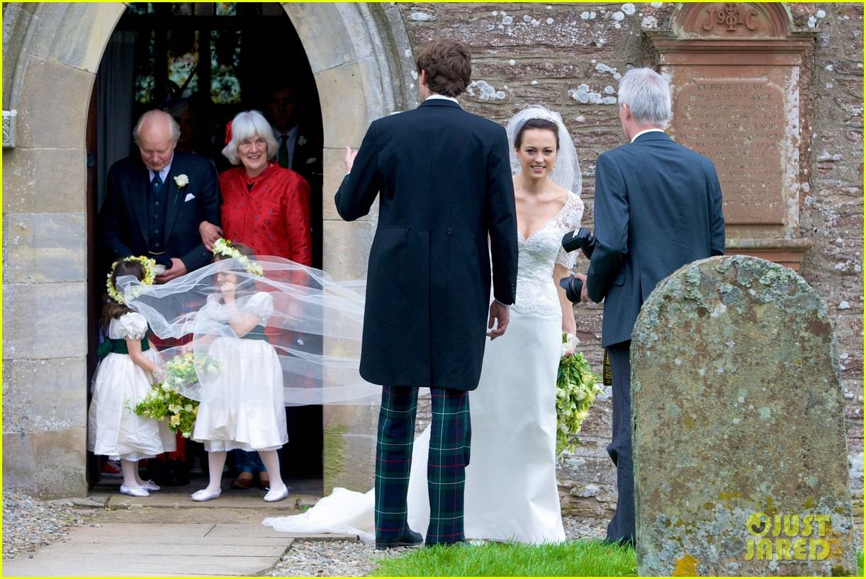pippa middleton goes green for her friends wedding 133101742