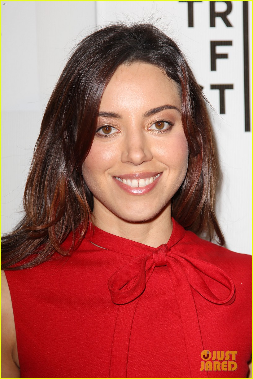 aubrey plaza maggie grace about alex tribeca premiere 163094304