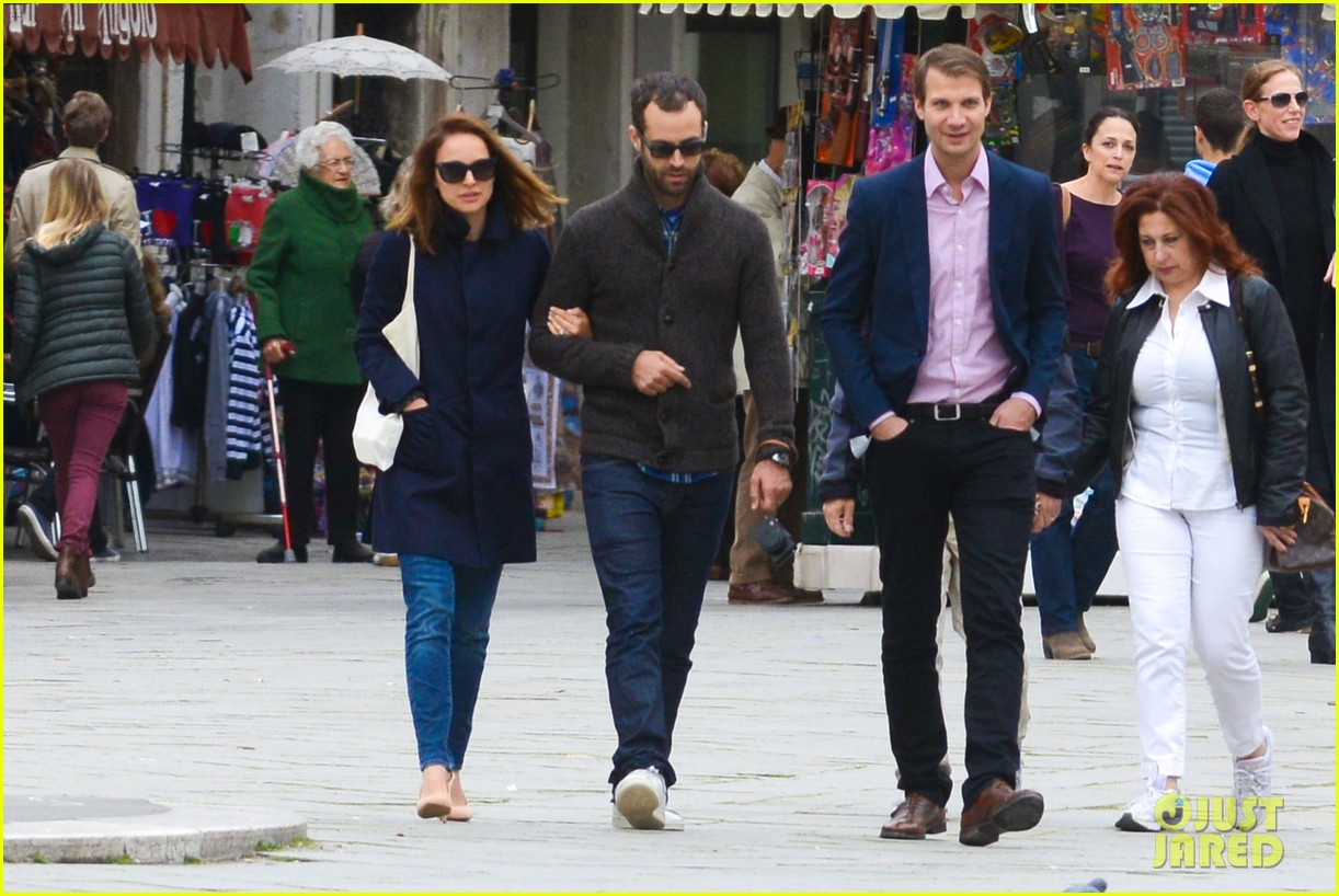natalie portman benjamin millepied romantic vacation venice 013090798