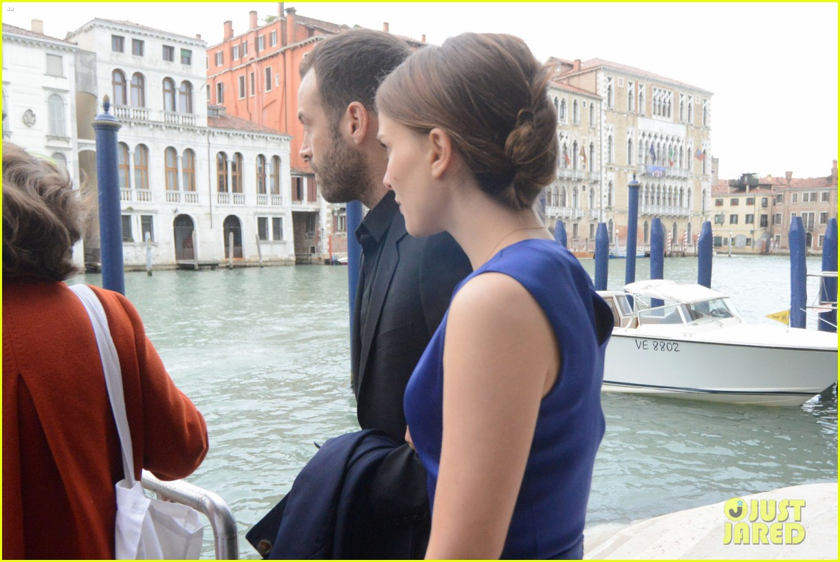 natalie portman benjamin millepied romantic vacation venice 043090801