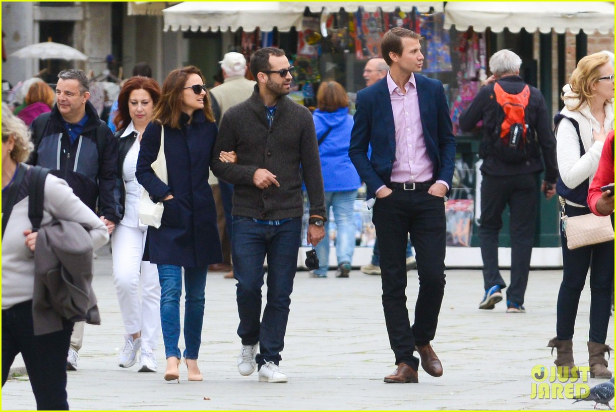 natalie portman benjamin millepied romantic vacation venice 183090815