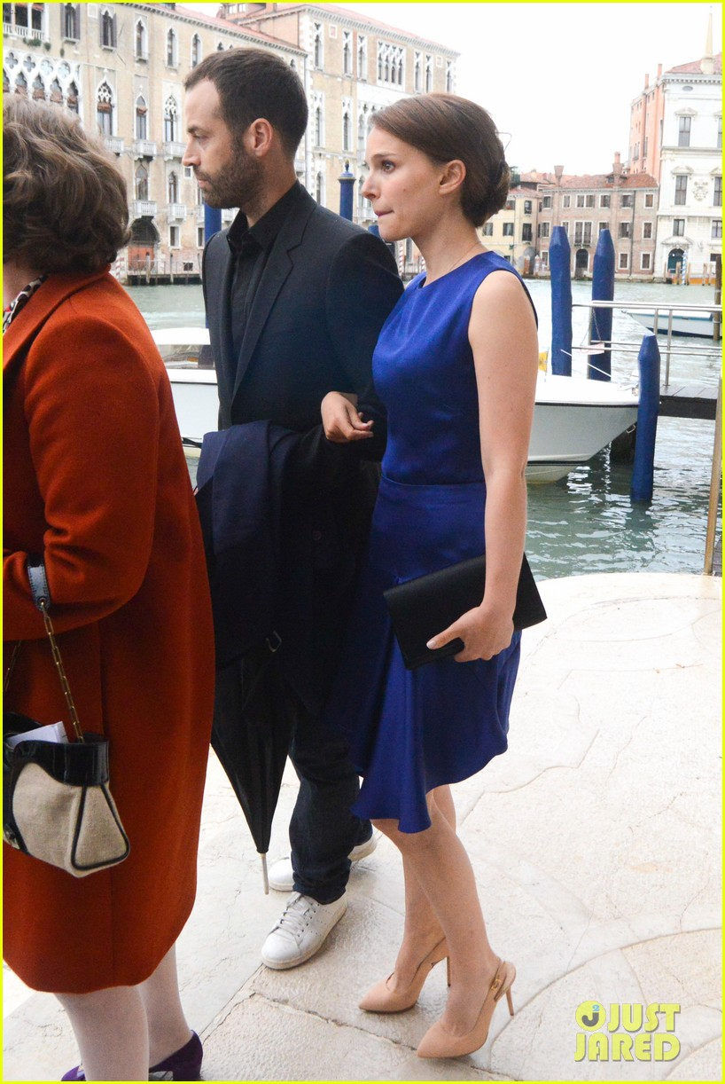natalie portman benjamin millepied romantic vacation venice 24